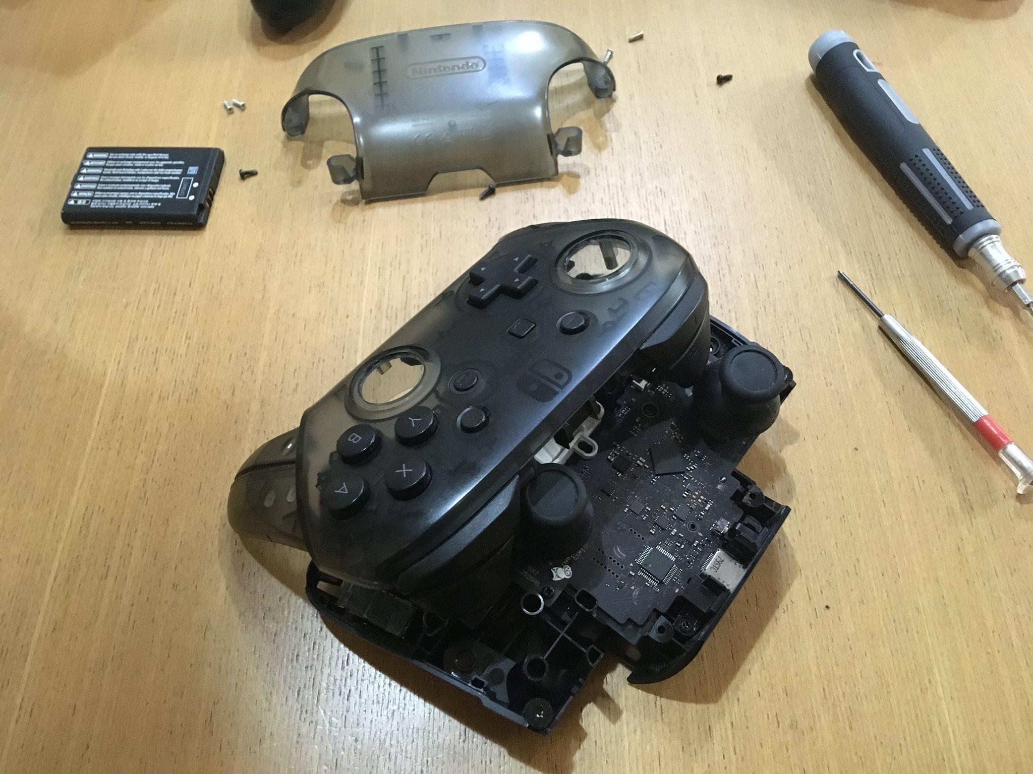Nintendo Switch プロコンの修理