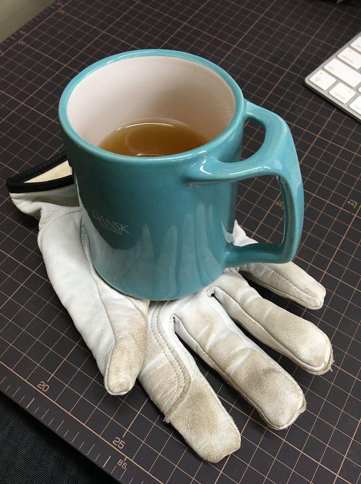 革手袋のコースター