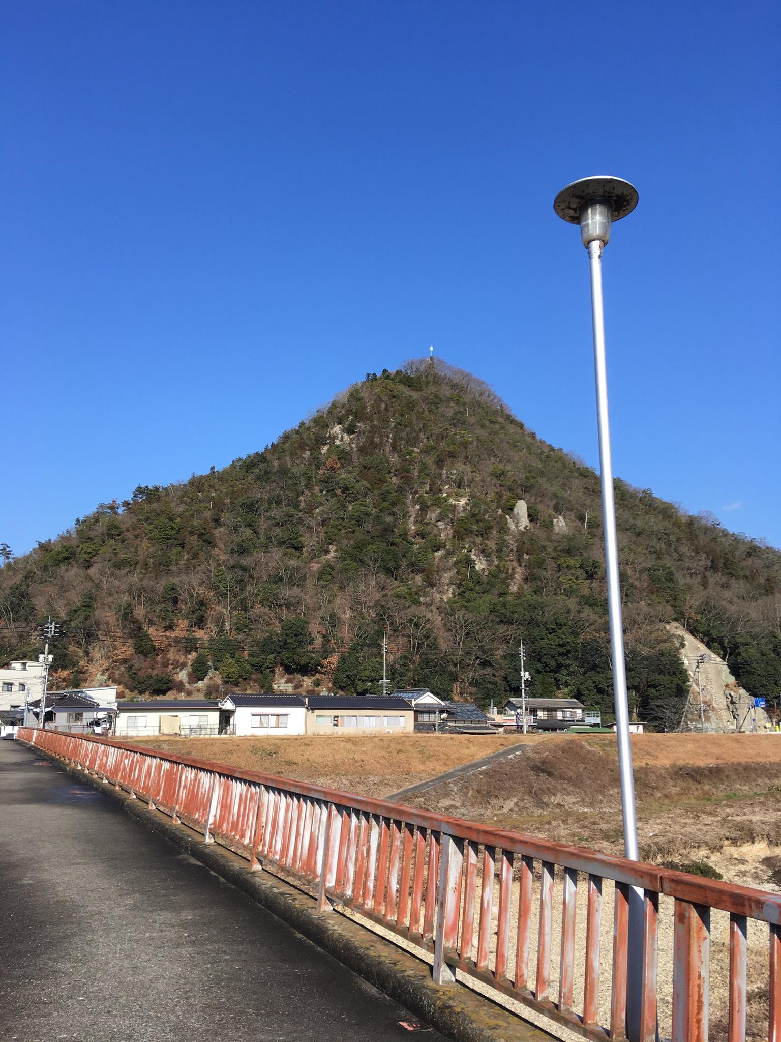 願掛けの山