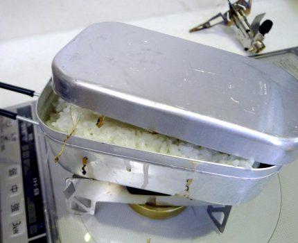 四角い箱の出来るヤツ -万能調理具「メスティン」の導入とその使い方- 後編