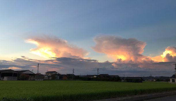 """""""かなとこ雲""""って言うらしい"""